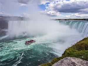 Niagara Falls - Wild Magic!